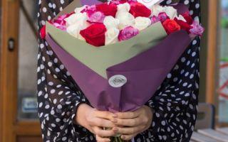 Какое количество цветов принято дарить
