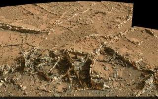 Странные структуры на фото с Марса похожи на руины здания