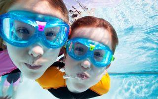 Как новичку выбрать очки для плавания в бассейне?