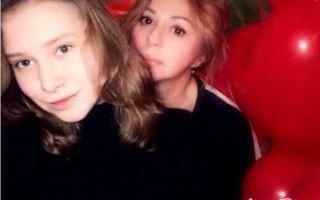 Дочь Алены Апиной поведала, какие у нее отношения с мамой