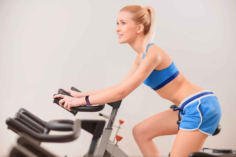 Упражнения Для Велотренажера Похудей. Тренировки на велотренажере для похудения. Система для сжигания жира для начинающих женщин и мужчин